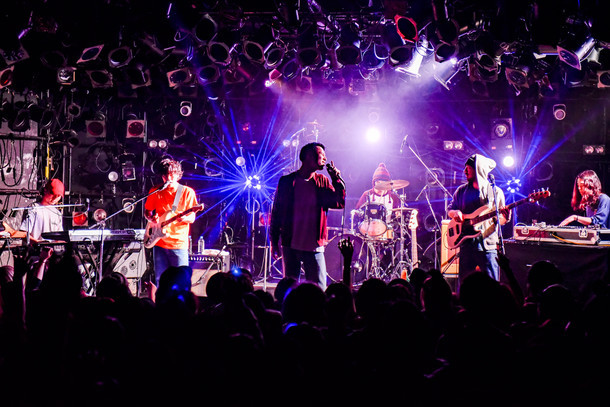 Suchmos「TOUR LOVE & VICE」4月23日に開催された渋谷CLUB QUATTRO公演の様子。(Photo by Shun Komiyama)