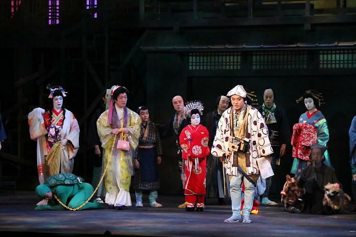 六本木歌舞伎 第二弾『座頭市』ゲネプロより 亀や犬の姿も