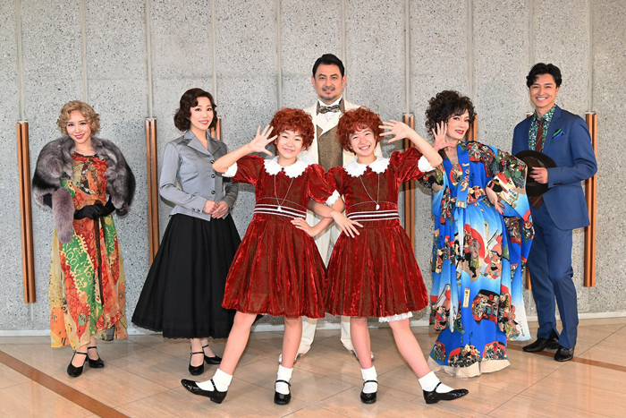 (後列左から)河西智美、笠松はる、藤本隆宏、マルシア、栗山 航、(前列左から)荒井美虹、德山しずく ANNIE©NTV