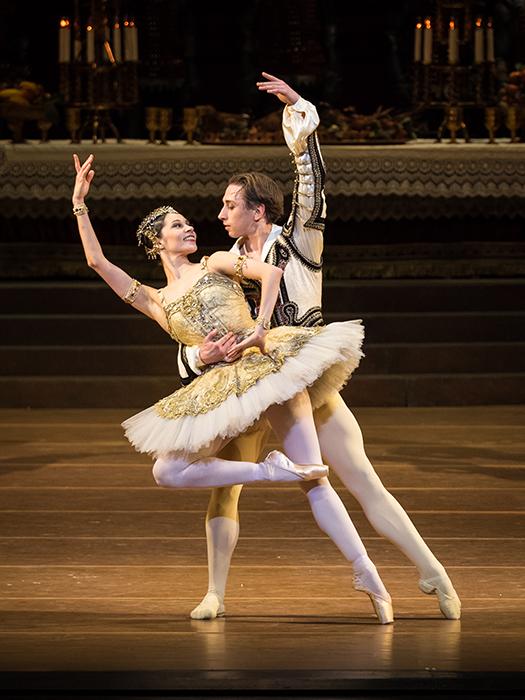 マリア・ヤコヴレワ&デニス・チェリェヴィチコ  (C)Wiener Staatsballett/Ashley Taylor