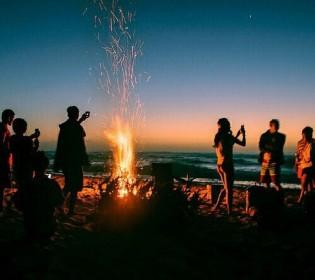 夏の終わりに無人島でサバイバルキャンプ!