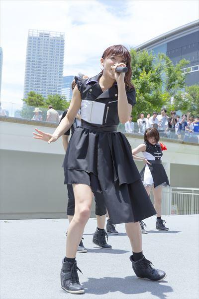茜屋日海夏ソロ Photo:KOSUKE USHIZIMA