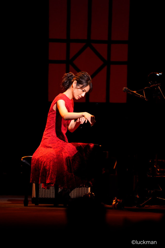"『JAバンク presents 松下奈緒 コンサートツアー2020""PLAYLIST""』  撮影:luckman"