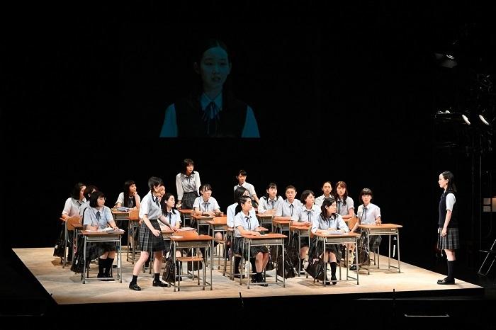 『転校生』女子校版2 撮影:阿部章仁