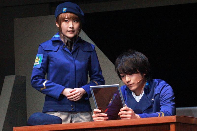 左:フレデリカ・グリーンヒル役 福永マリカ
