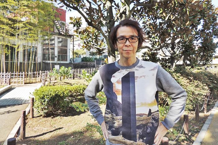 横内謙介(いま世界で話題のモノリスが胸上に出現)