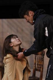 篠原涼子×佐藤隆太が心を揺さぶるような愛を描く 舞台『アンナ・クリスティ』稽古場レポート