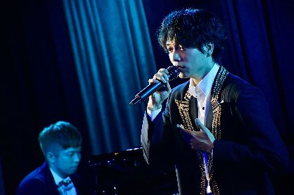 山崎育三郎「みんなのメッセージを見ながらだと、がんばれる!」 初の生配信ライブで視聴者とともに歌い上げる一幕も
