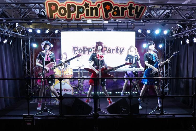 「Poppin'Party」のステージ