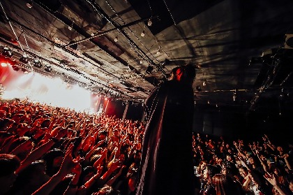 DEZERT『千秋を救うツアー2』開幕! 初のホール単独ライブを控えたバンドがツアー初日に見せたもの