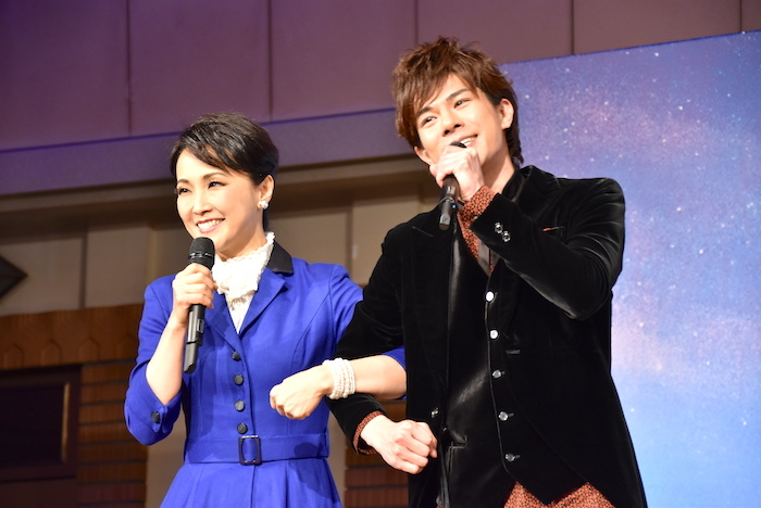 濱田めぐみ、柿澤勇人(左から)