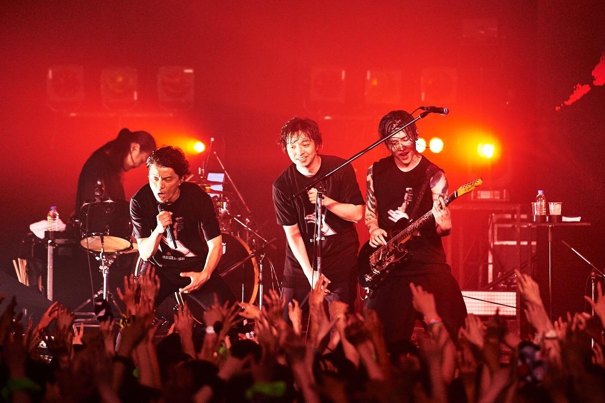 「NTT DOCOMO presents MIYAVI 15th Anniversary Live NEO TOKYO 15」FINAL(Photo by Yusuke Okada)