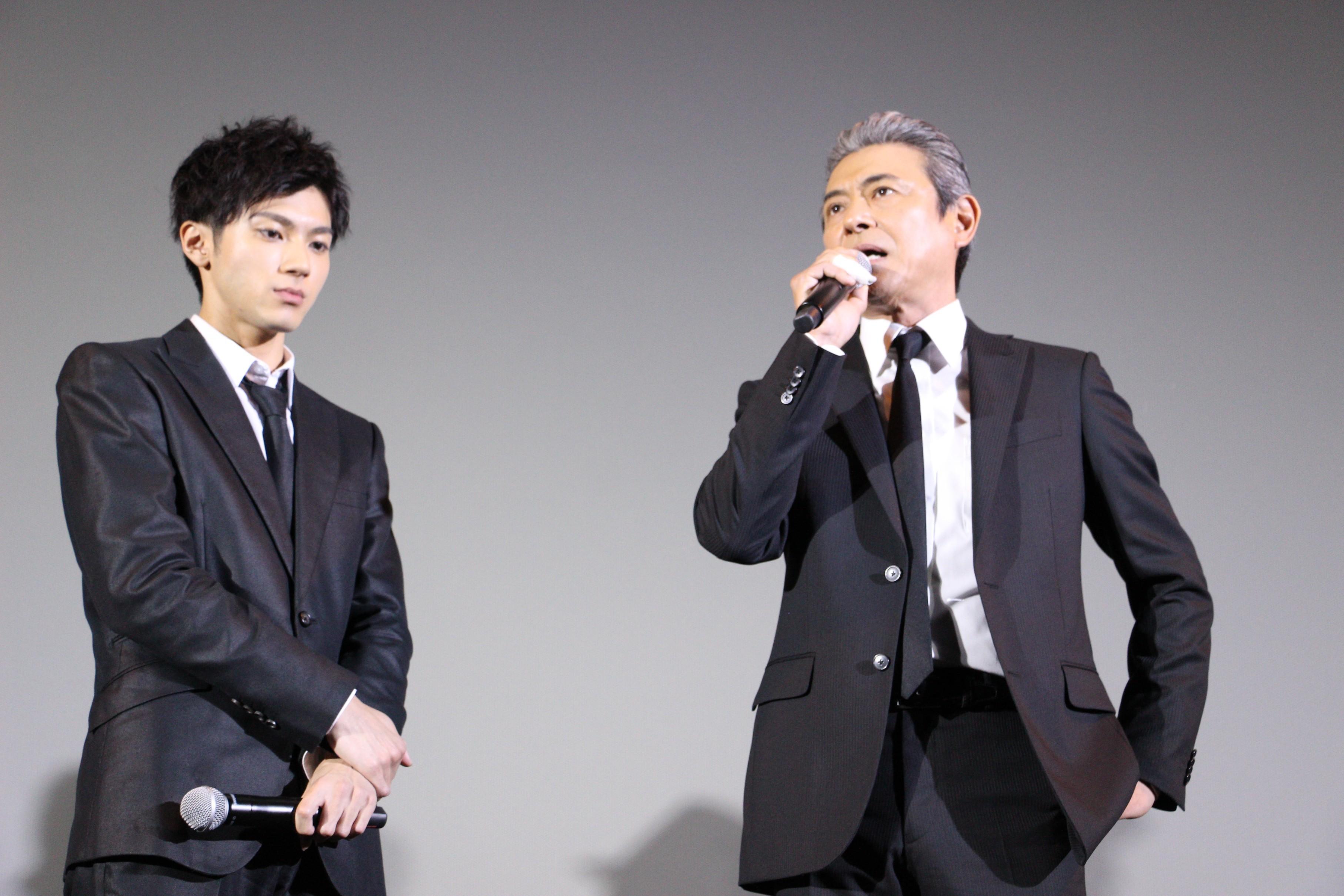 左から、山田裕貴、升毅