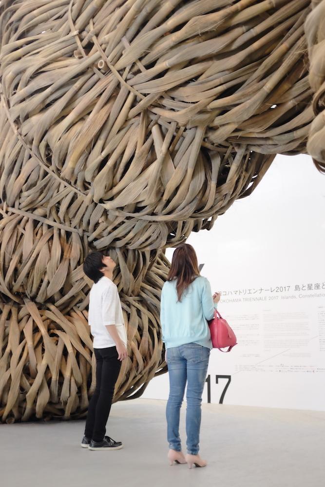 ジョコ・アヴィアント《善と悪の境界はひどく縮れている》2017  ヨコハマトリエンナーレ2017展示風景
