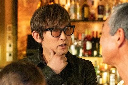 スガ シカオ、地上波ドラマに初出演 主題歌を担当する真木よう子主演ドラマの最終話に登場