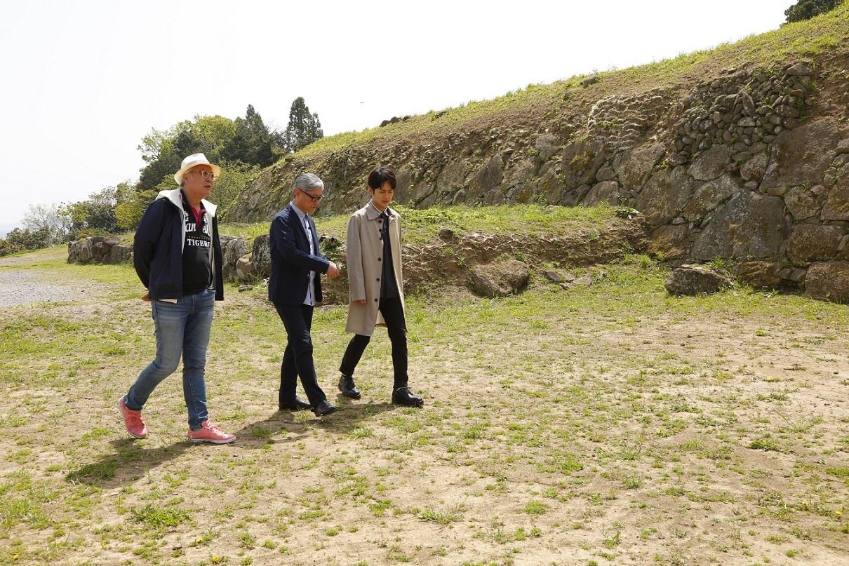 (左から)マキノノゾミ、堤幸彦、溝端淳平