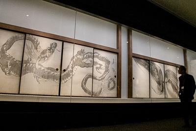 長沢 芦雪 《龍図襖》 紙本墨画 八面 各174.7×114.7cm 島根・西光寺