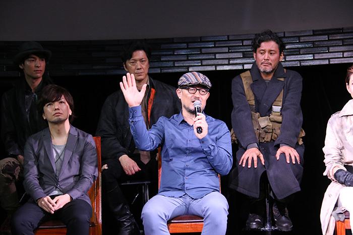 G2(横田さんのちょっと内股座りがカワイイですね!)