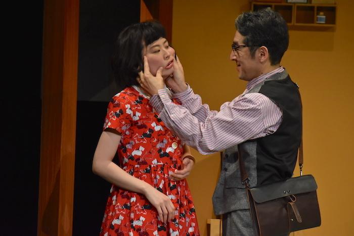 月刊「根本宗子」第16号公演『愛犬ポリーの死、そして家族の話』のゲネプロの様子