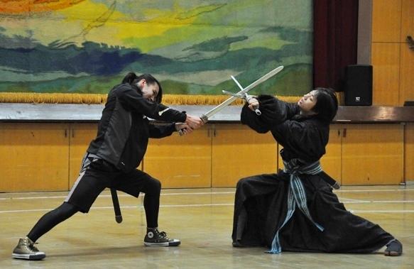 (左から)杞山星璃、三津谷亮(D-BOYS)