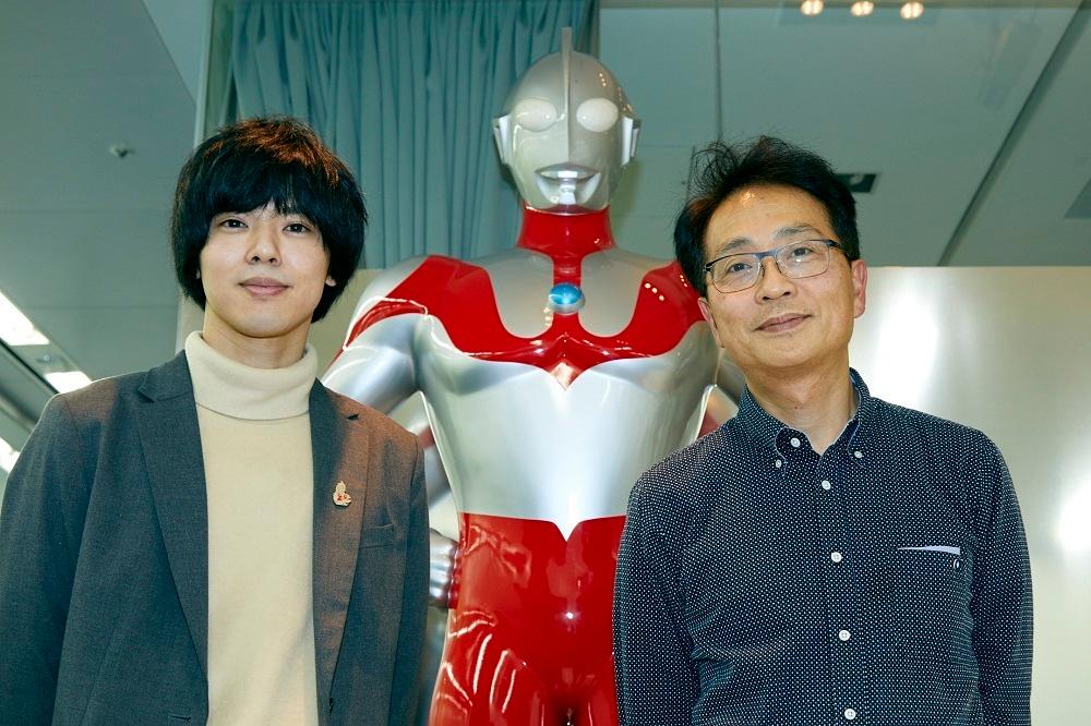 (左から)タカハシヒョウリ、小中和哉監督 撮影:岩間 辰徳 (C)円谷プロ