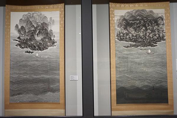 左:《南海之図》(昭和30年頃、京都国立近代美術館蔵、展示は7月30日まで)、右:《南海之図》(昭和30年頃、愛知県美術館蔵)