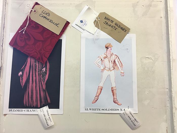 新しい衣装のデザイン画