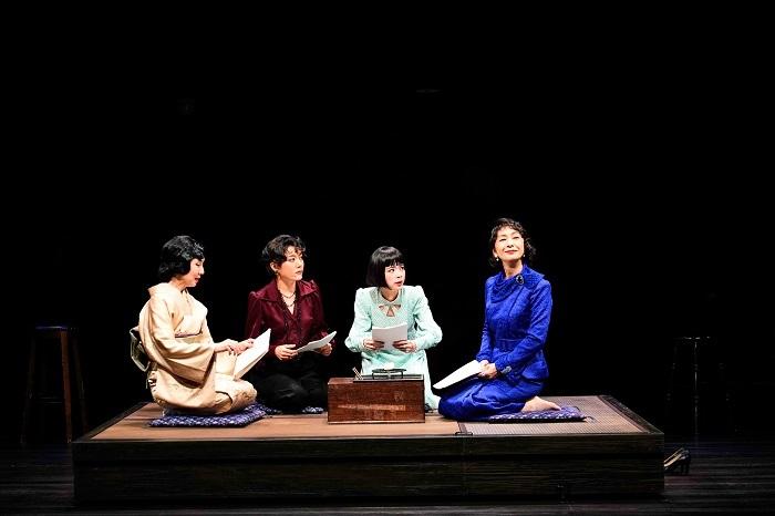 (右から) 高橋惠子、趣里、鈴木 杏、那須佐代子  撮影:細野晋司
