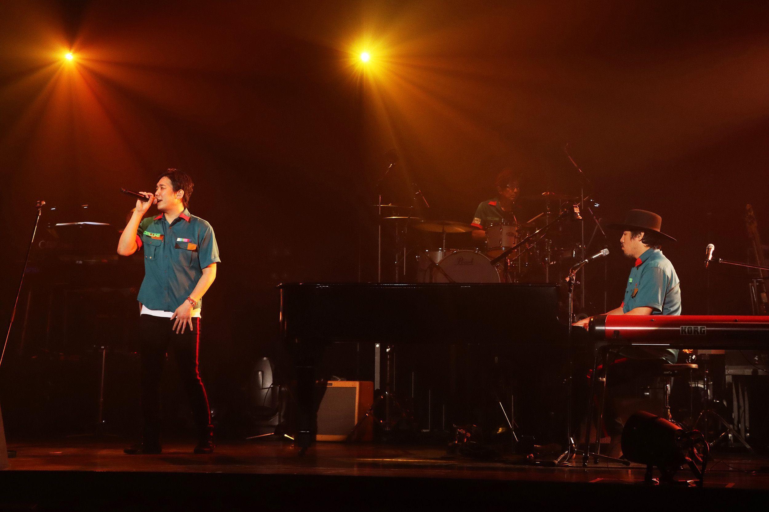 """スキマスイッチ『Streaming LIVE""""a la carte 2020""""〜実際にやってみた!〜』 撮影=岩佐篤樹"""