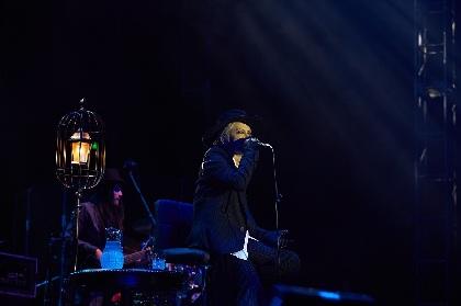 HYDE アコースティックコンサート『-黑ミサ ASIA-』上海で開幕