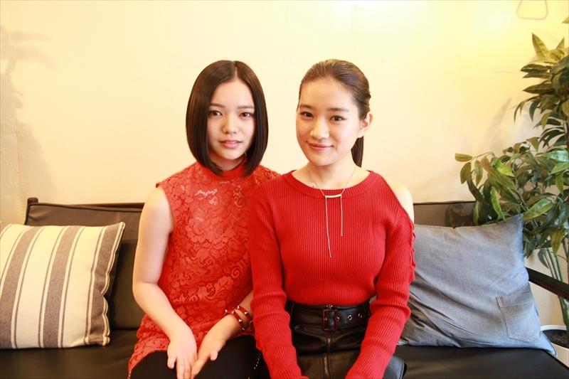 (左から)湯川玲菜、仲美海