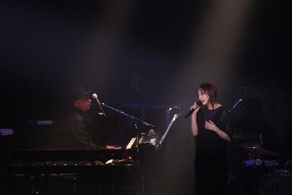 元宝塚トップスター・大空ゆうひが歌唱の域を超えた表現力で歌いあげる 『ライブシアター Rhythmic walk』