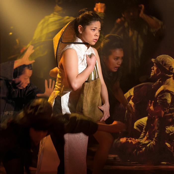 『ミス・サイゴン:25周年記念公演 in ロンドン』キム(エバ・ノブルザダ)