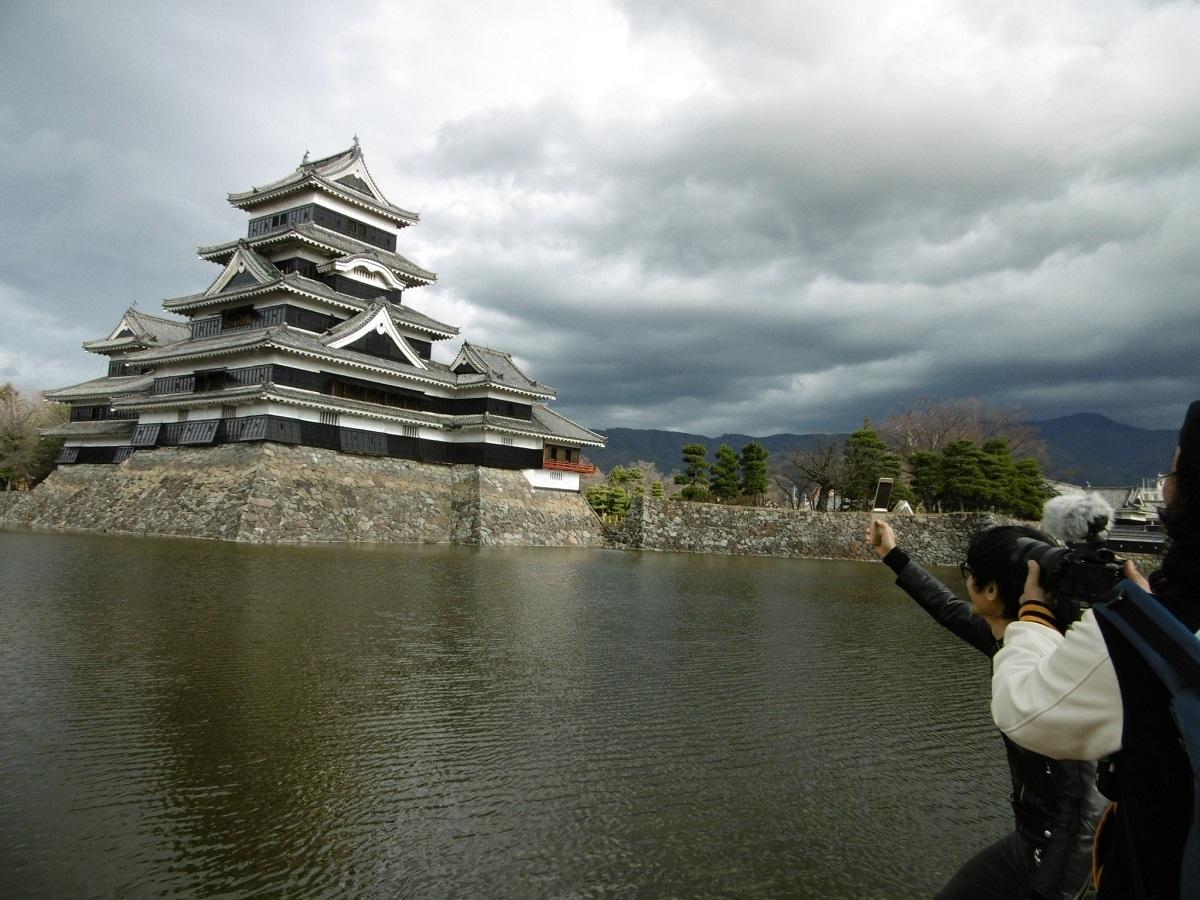 『中島卓偉のお城へ行こう!せーの、キャッスル!キャッスル!』過去のロケシーン/松本城