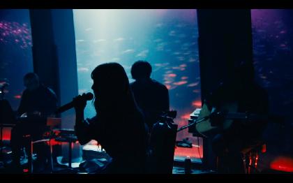 ヨルシカ、初のライブ映像作品『前世』映画館でのプレミアム上映が決定