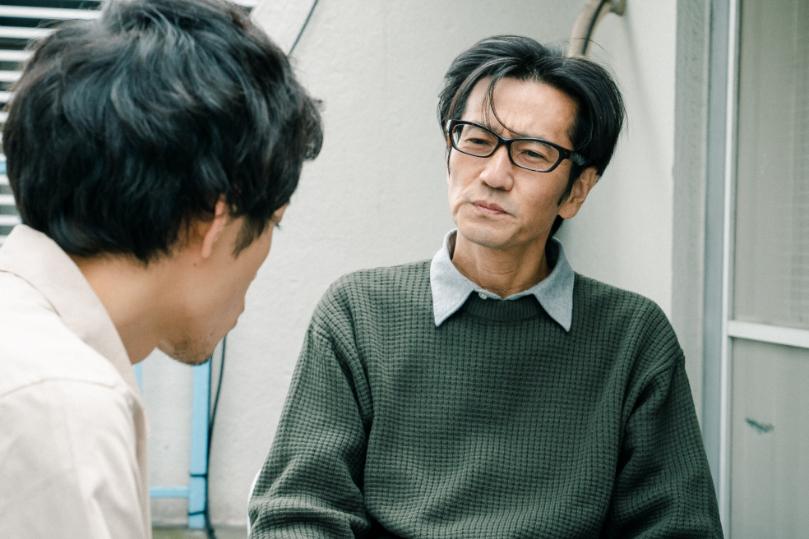 津田寛治 映画『僕たちは変わらない朝を迎える』場面写真