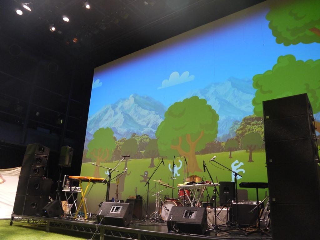 メインステージの大スクリーン