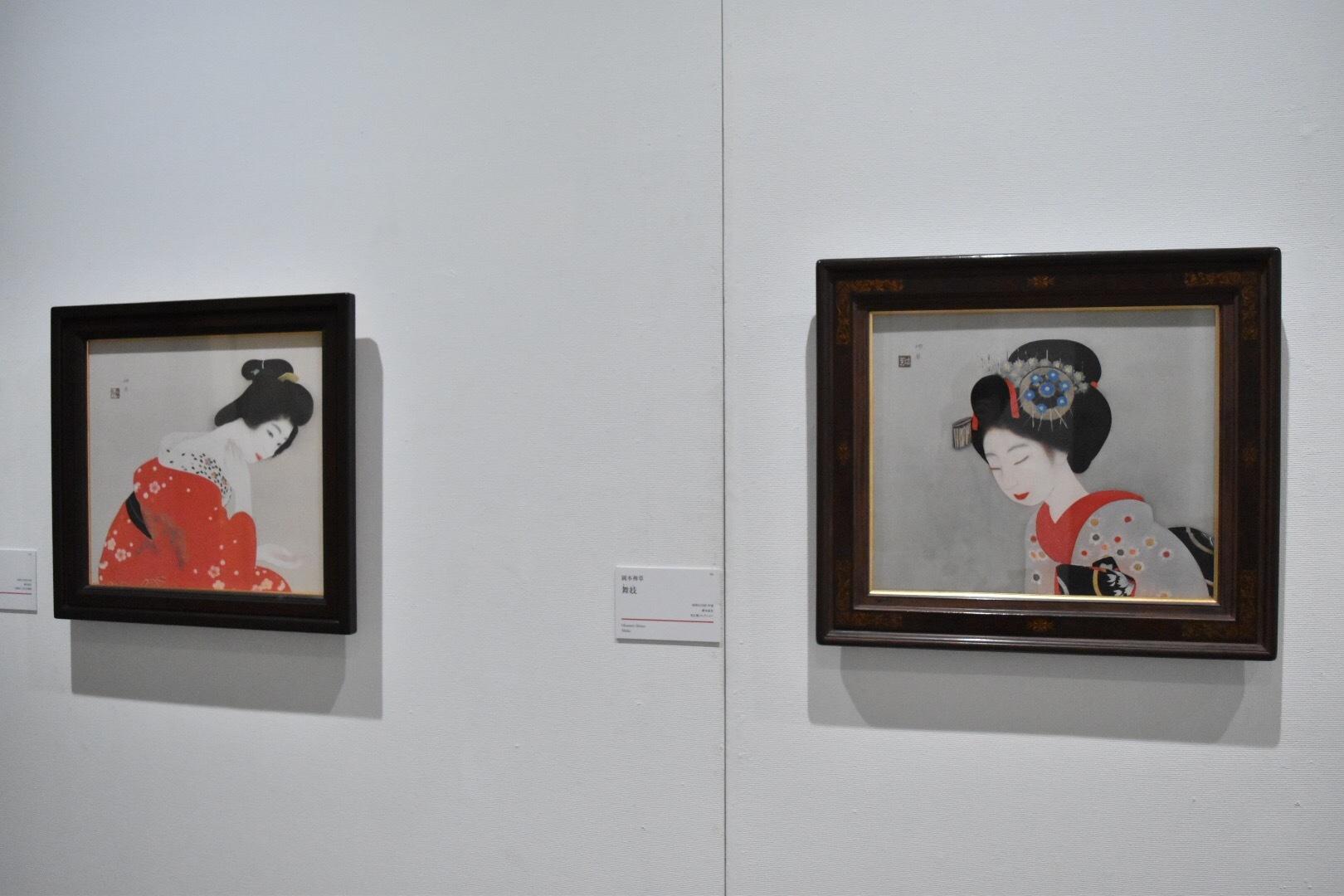 左:岡本神草 《化粧》 昭和3(1928)年頃 京都国立近代美術館 右:岡本神草 《舞妓》 昭和3(1928)年頃 培広庵コレクション