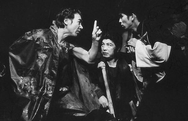 「電子城」左より大久保鷹、唐十郎、千野宏