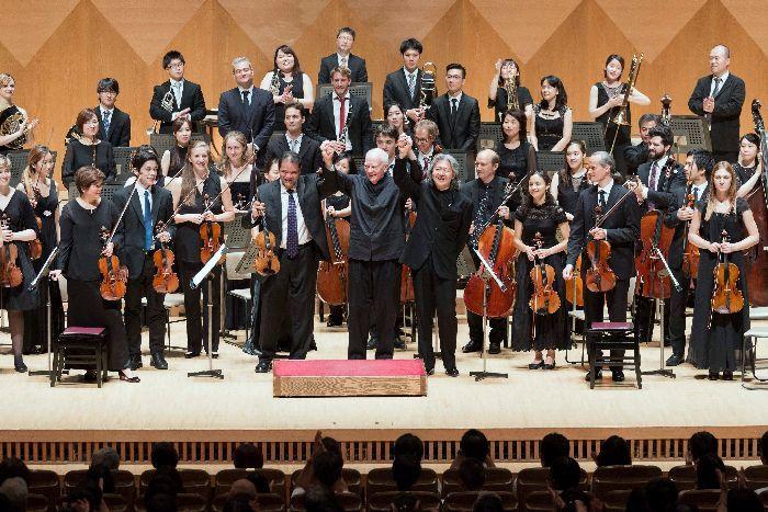 毎年、気迫の演奏で感動のフィナーレを飾るMMCJのオーケストラ・コンサート (c)K.MIURA
