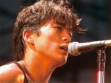 尾崎豊のデビュー当時から二十代前半のライブ映像と貴重な映像で構成した『尾崎豊を探して』2020年1月全国公開