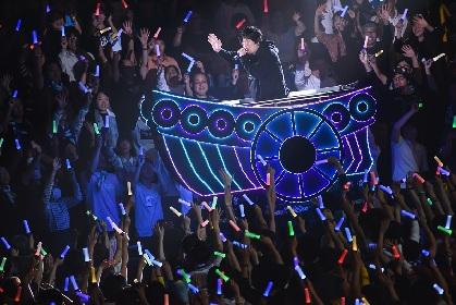 """岡崎体育が""""7年間夢見てきた""""ワンマンコンサート 集まった18,000人に「人生最良の日になりました」"""