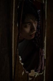 耳の聞こえない目撃者を殺人鬼が斧で襲う 映画『殺人鬼から逃げる夜』から本編映像を一部公開