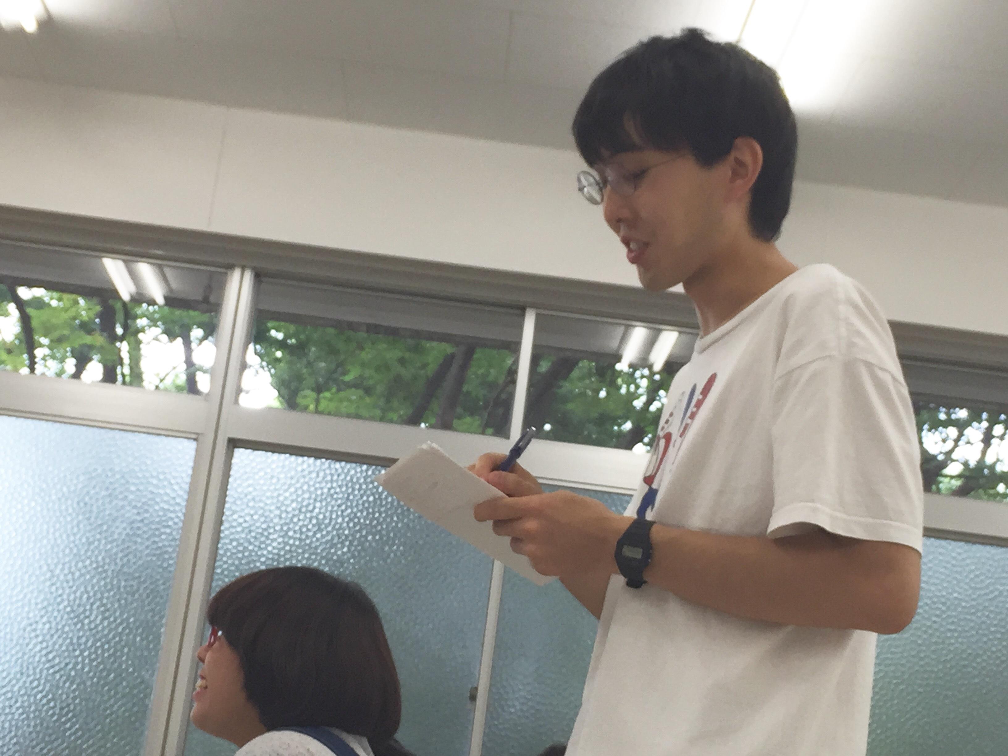 虫会主宰・作演出の伊藤拓