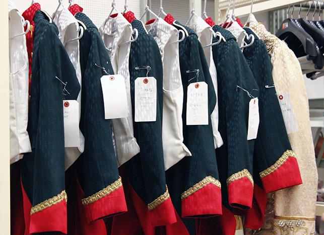 子供の兵隊たちの衣装