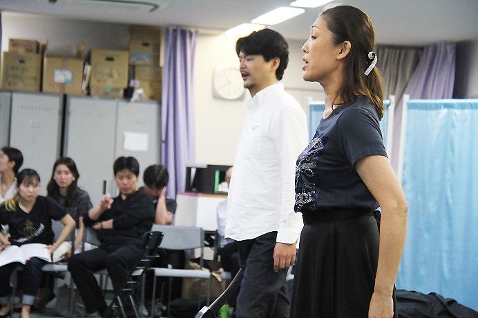 伯爵役 萩原寛明と伯爵夫人役 木澤佐江子は、27日のキャスト (C)H.isojima