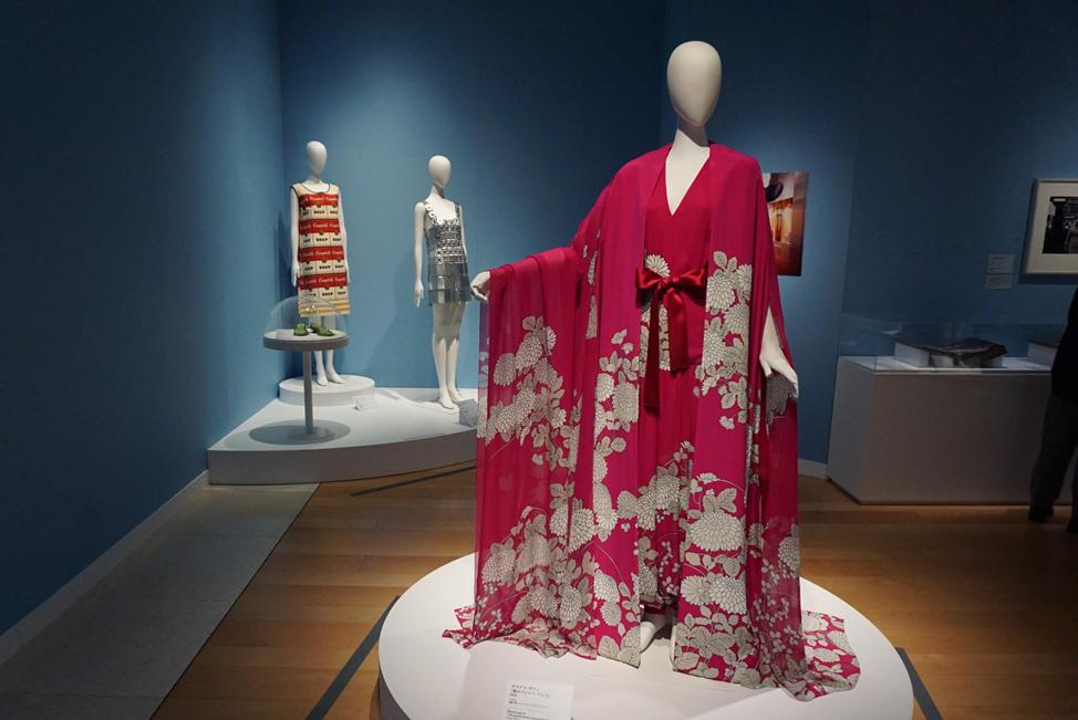 森英恵 ホステス・ガウン《菊のパジャマ・ドレス》1966年 島根県立石見美術館所蔵