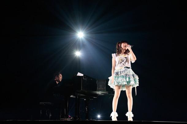 「田村ゆかり LOVE ▽ LIVE *Sunny side Lily*」のワンシーン。