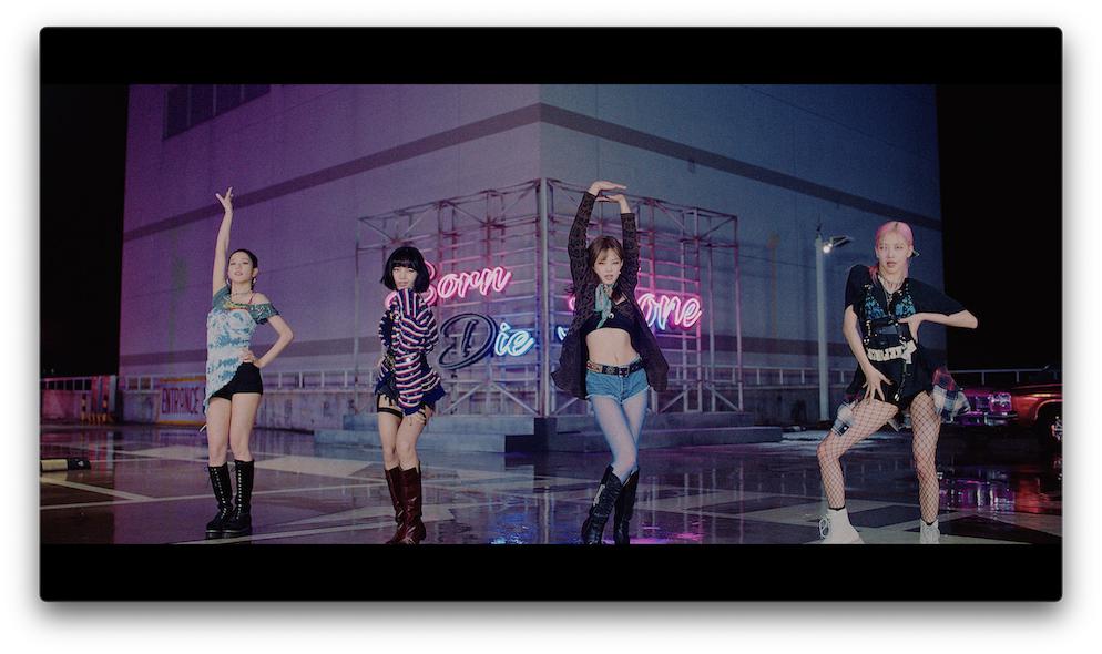 「Lovesick Girls -JP Ver.-」MVサムネイル