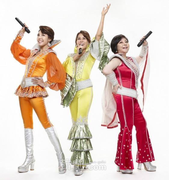 オリジナルのマンマ三銃士(写真左から)ターニャ役チョン・スギョン、ドナ役チェ・ジョンウォン、ロージー役イ・ギョンミ